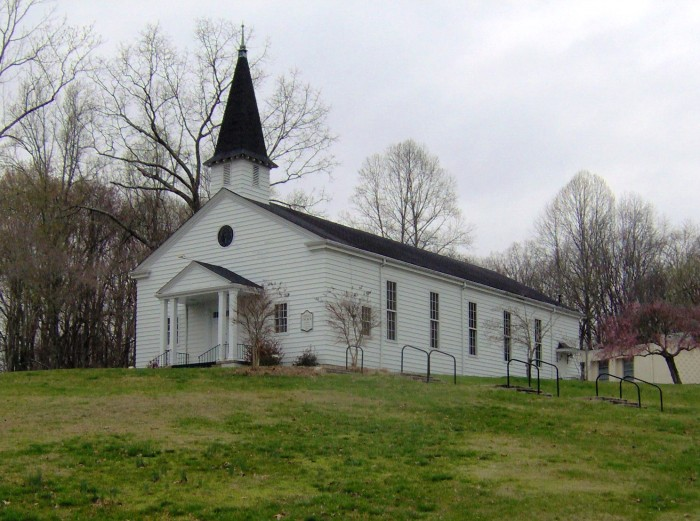 """""""Oak Ridge United Church"""" by Brian Stansberry under Creative Commons Attribution 3.0 Unported"""